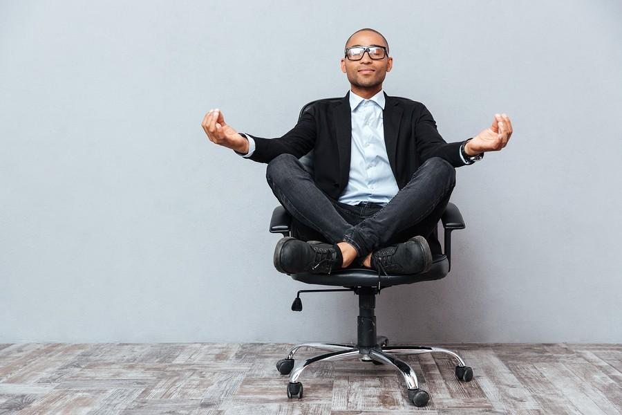 Umění sedět dnes ovládá málokdo
